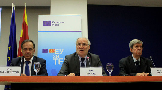 Вајгл, Кукан и Флекенштајн в недела во Македонија