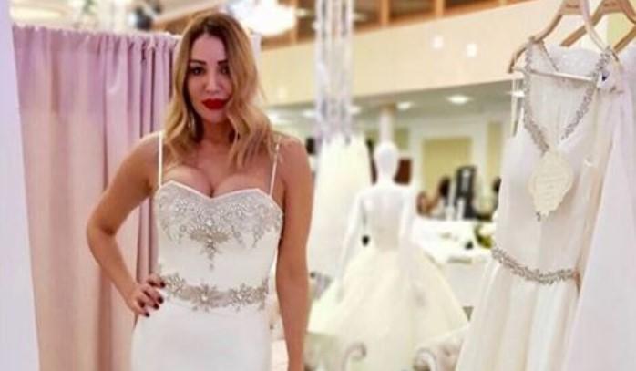 Прстенот за трет брак веќе е на раката на Лила, а сега ја избра и венчаницата- еве како изгледа (ФОТО)