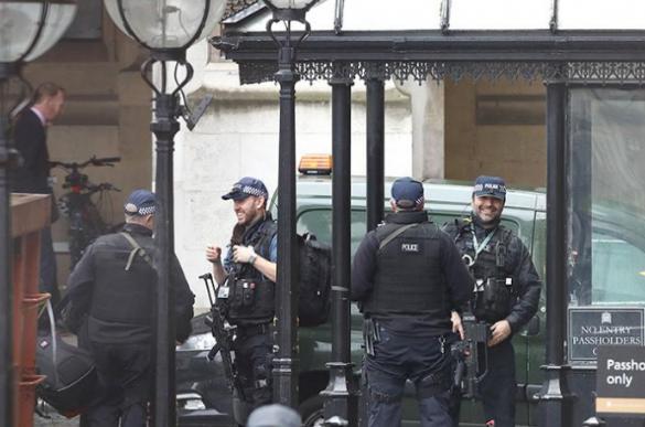 Вонредна вест: Зградата на британскиот парламент е блокирана од страна на полицијата