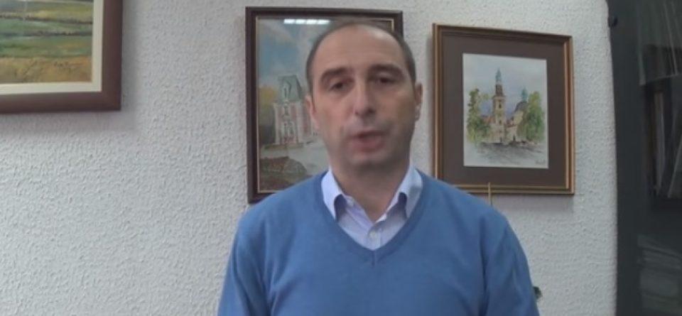 ВМРО-ДПМНЕ: Градоначалникот на Берово за 100 дена избрка 20 лица и си ја вработи сопругата
