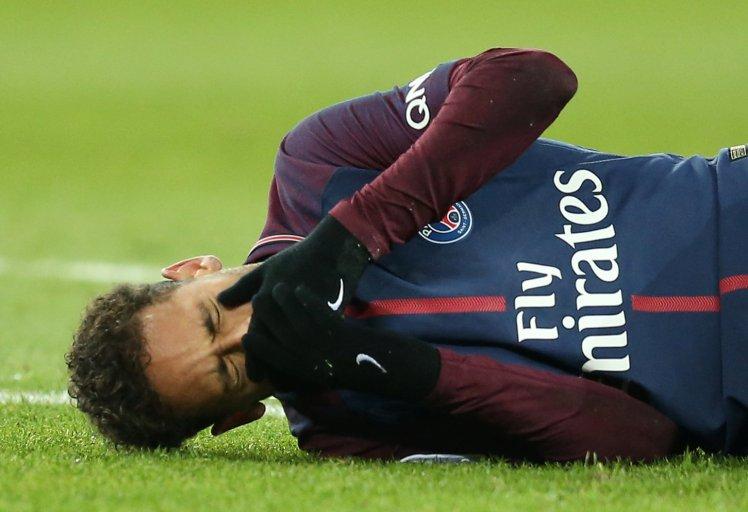 Нејмар сепак потешко повреден, надвор од терените до крајот на сезоната