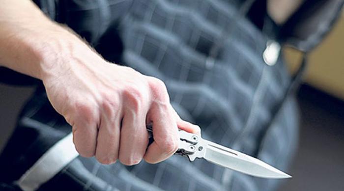 Син со нож му се заканувал на татко му
