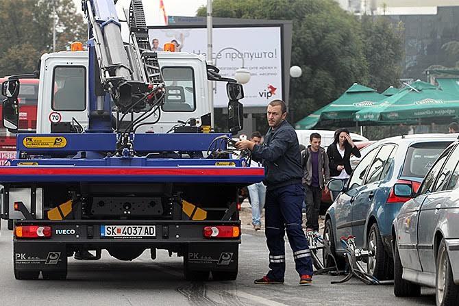 """Три лица полесно повредени во сообраќајки во Скопје, """"пајакот"""" кренал 92 возила"""