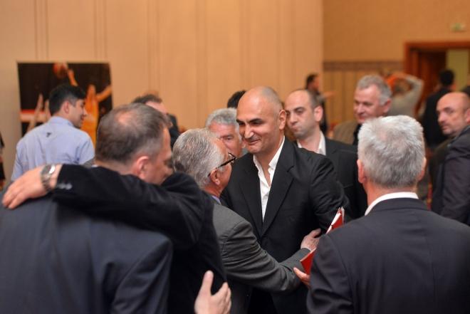 Петар Наумоски останува претседател на МКФ!