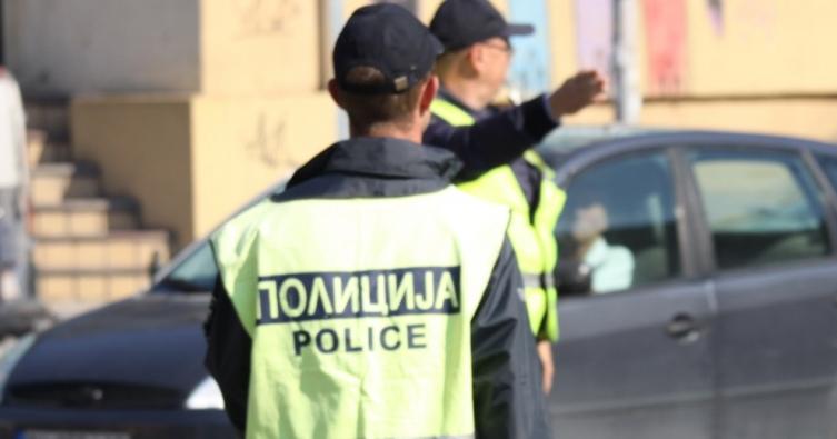 Скопјанец го прекршил полицискиот час, па нападнал полицајци