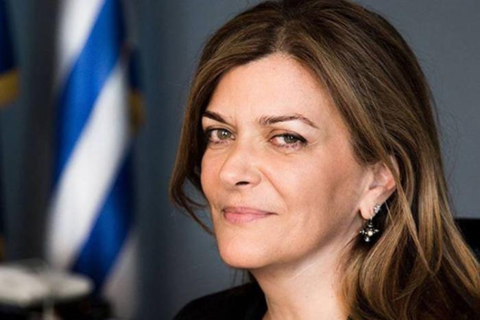 Богатата грчка заменик-министерка која примала помош од државата за кирија даде оставка