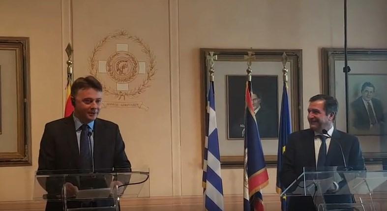 Шилегов почна да зборува грчки, па доби аплауз (ВИДЕО)