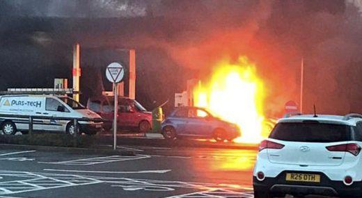 Едвај спасила жива глава: Наточила бензин во погрешен отвор- колата експлодирала