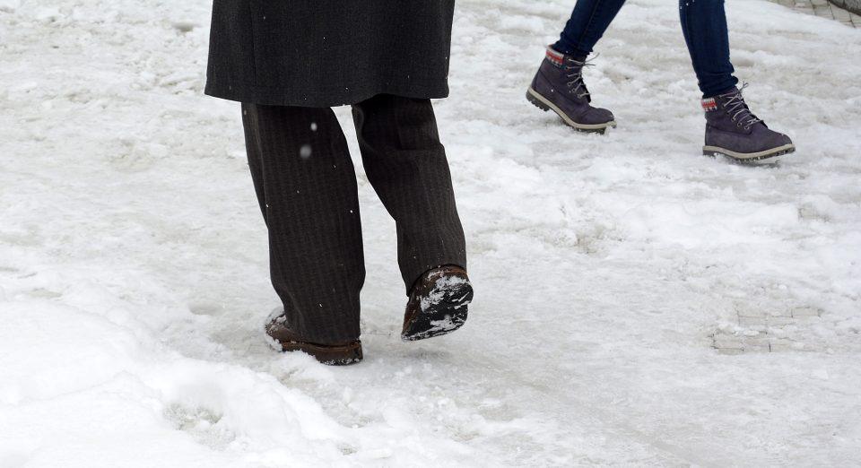 Скопска Црна Гора блокирана од снег, жителите со денови молат за помош