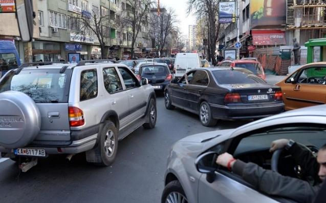 Викендов сообраќаен режим во Скопје- Избегнете ја гужвата