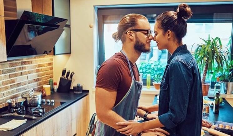 ФОТО: Таа е атрактивна Бразилка, а тој згоден Србин, нивната врска побива многу предрасуди