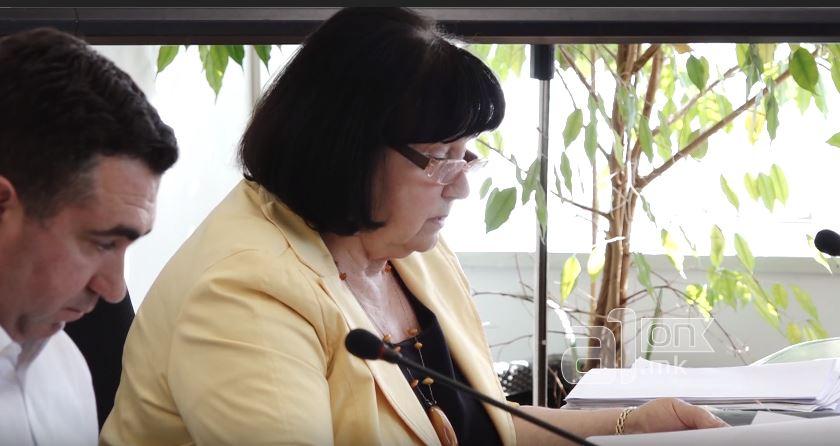 Синот на Виолета Дума седна во директорската фотеља на Клиниката за очни болести