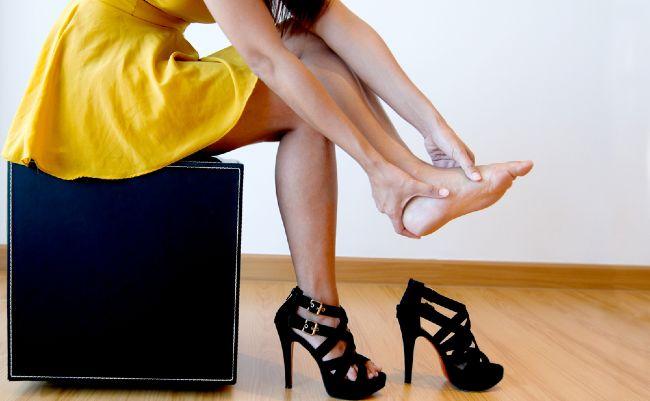 Жени, внимавајте: Овие модни парчиња ви го уништуваат здравјето