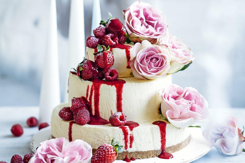Слаткарница одби да направи невестинска торта бидејќи на геј-свадбата немало невеста