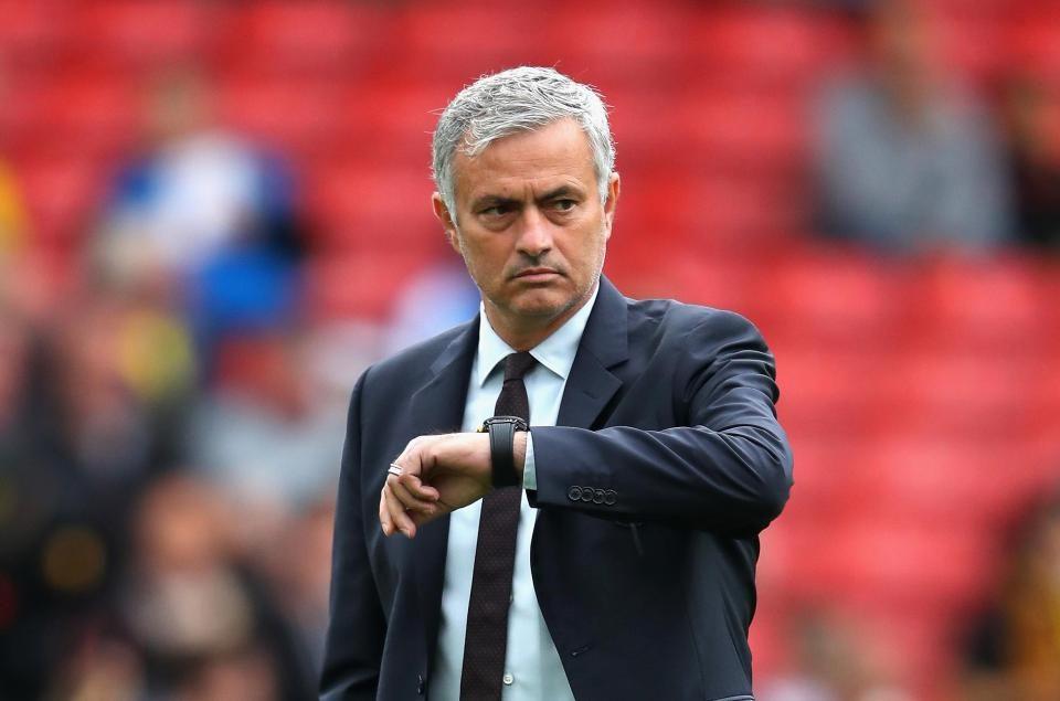 Мурињо си најде нова професија: Никој не го очекуваше тренерот на вакво работно место, фановите воодушевени
