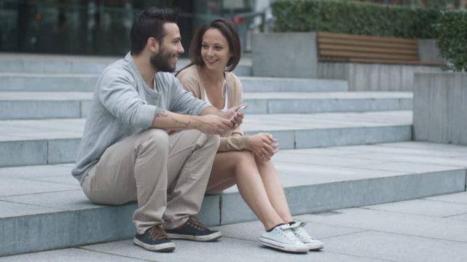 """Ако маж ги прави овие работи значи дека """"до уши"""" е заљубен во вас, ама не сака да признае"""