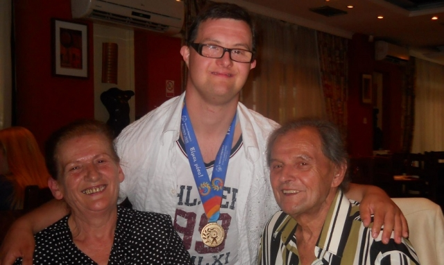Почина Дарко Арсов, освојувач на златен медал во пливање на Специјалната олимпијада
