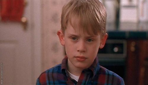 """Никој не верува дека момчето од """"Сам дома"""" сега има 37 години: Се појави во емисија и ги запрепасти сите (ФОТО)"""