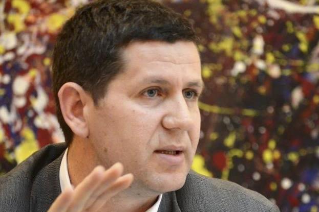 """""""Ќе ви го запалиме семејството"""": Нови закани за претседателот на ЗНМ"""