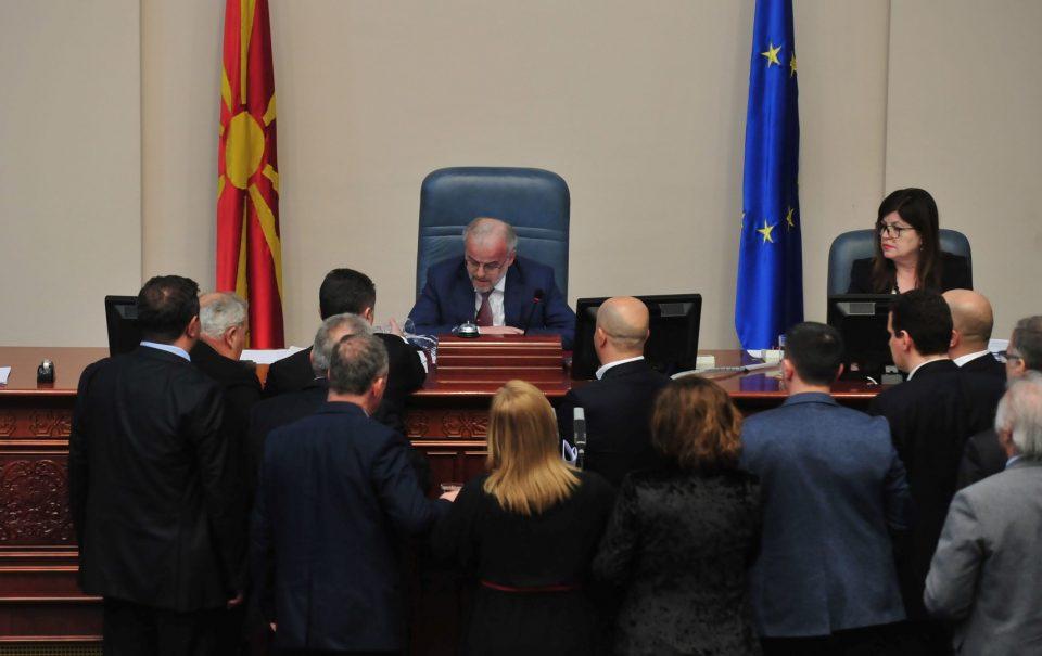 Џафери: Иванов го крши Уставот, јас го обезбедив она што го ветив претходно