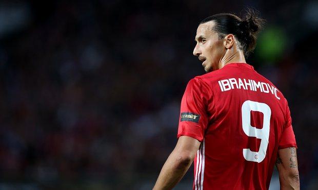 ФОТО: Вака Ибрахимовиќ се прости од фановите на Манчестер Јунајтед
