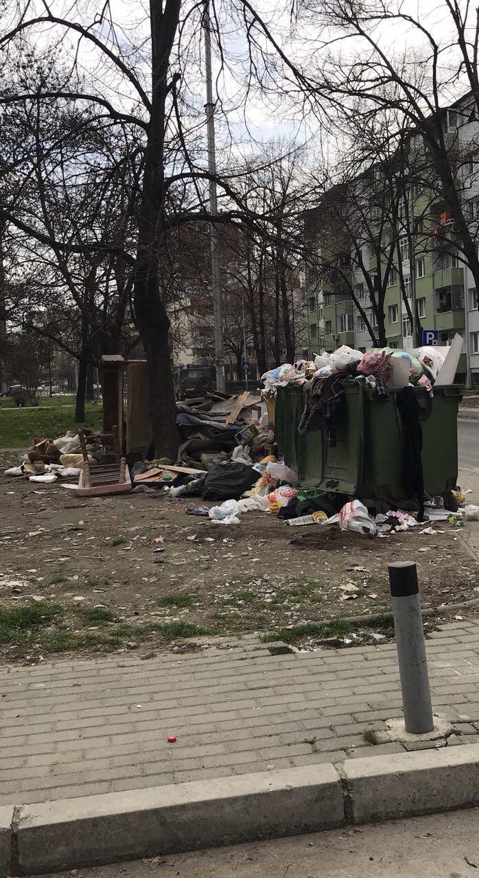 Дојде живот и во Аеродром: Огромни количини на ѓубре, граѓаните се гушат во смрдеа (ФОТО)