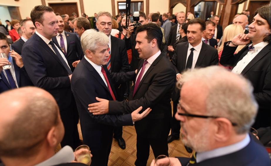 Заев молчи, Ахмети откри кога ќе биде потпишан договорот со Грција