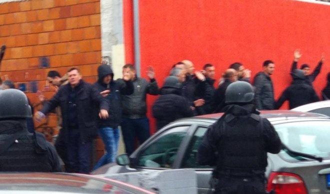 Тензии во Косовска Митровица: Протести и пукање поради апсењето на Марко Ѓуриќ (ВИДЕО)