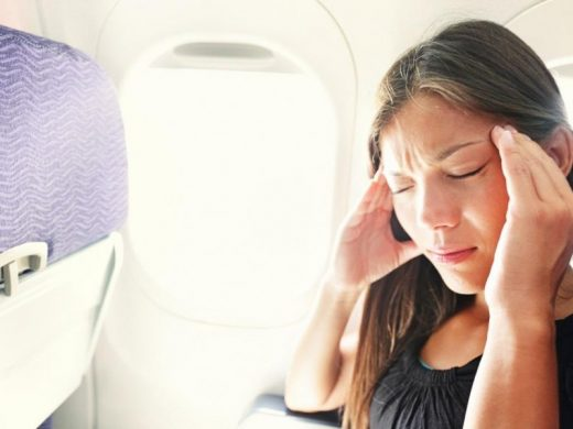 Како да ја спречите болката во ушите при летање со авион?
