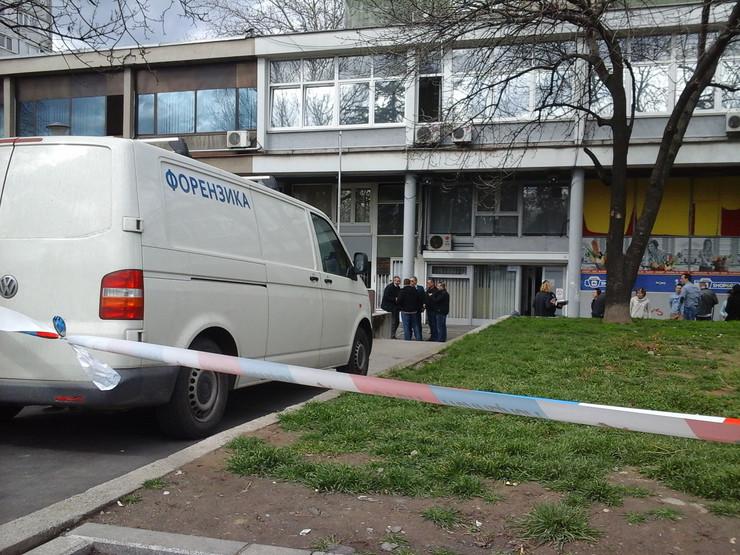 "Драма на ""Рузвелтова"" во Белград: Добил отказ на работа па почнал да пука, еден работник скокнал низ прозорец"