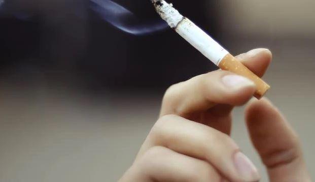 Овие плодови најмногу ќе ви помогнат да ги неутрализирате штетните ефекти од пушењето цигари
