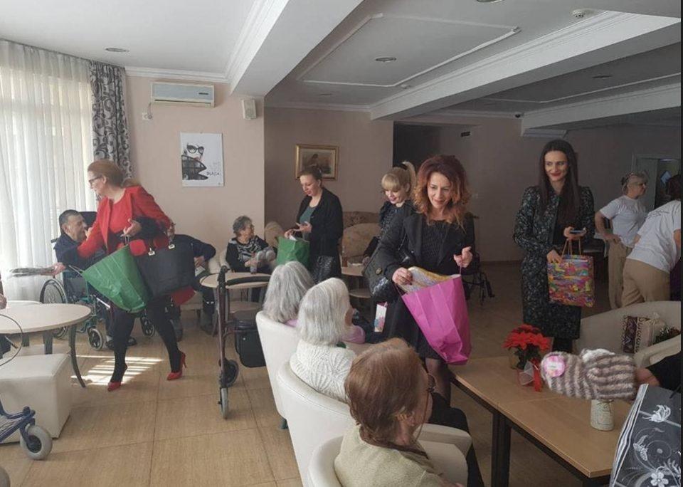 """Унија на жени на ВМРО-ДПМНЕ во посета на домот за стари лица """"Идила Терзиева"""""""