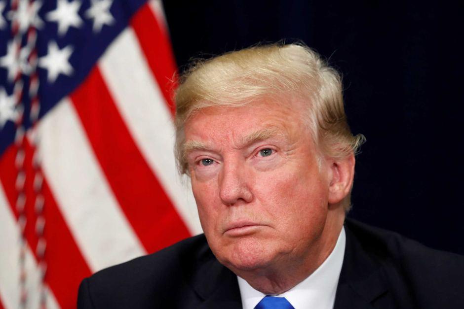 Трамп: Армијата ќе ја чува границата со Мексико