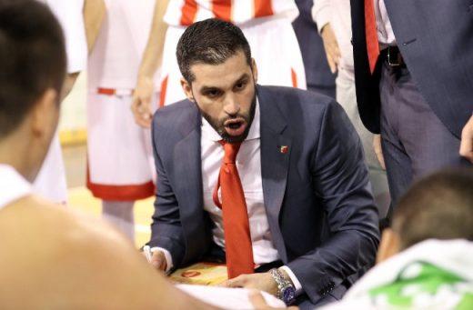 Тренерот на Црвена Звезда збесна: Сакате ли на сите тројца да ви удрам по еден шамар? (ВИДЕО)