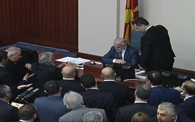 ВИДЕО: СДСМ и Талат Џафери против Македонија и Уставот