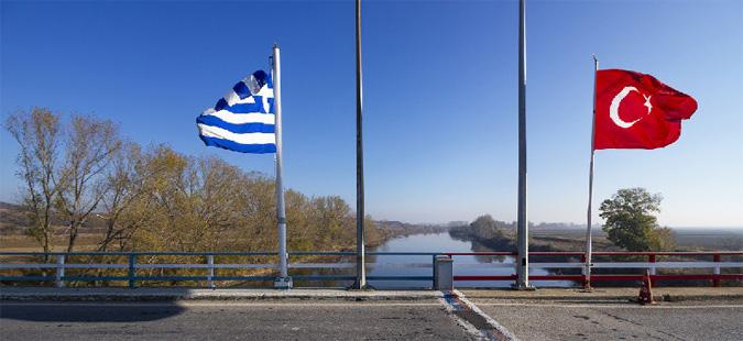 Драма на грчко-турската граница: Уапсени двајца новинари
