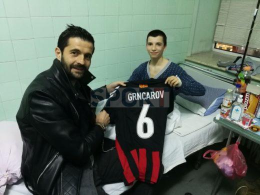 Грнчаров го посети избодениот Комита: Малечок, те чекаме на трибина (ФОТО)