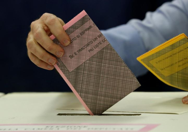 """Избори во Италија: Води """"Пет ѕвезди"""", никој нема мнозинство"""