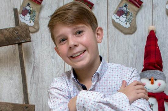 Иван е навидум обично момче кое тренира фудбал, но неговата мисија ќе ви го стопли срцето