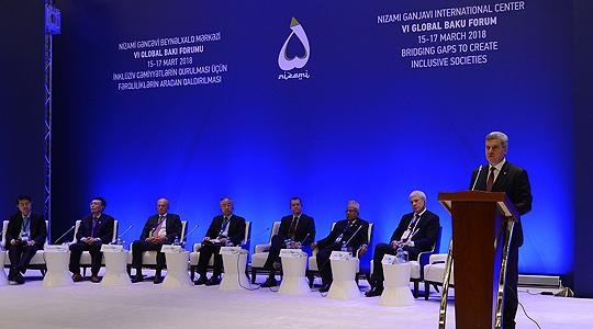 Иванов во Баку: Македонија поддржува иницијативи за подобрување на инфраструктурата и поврзаноста