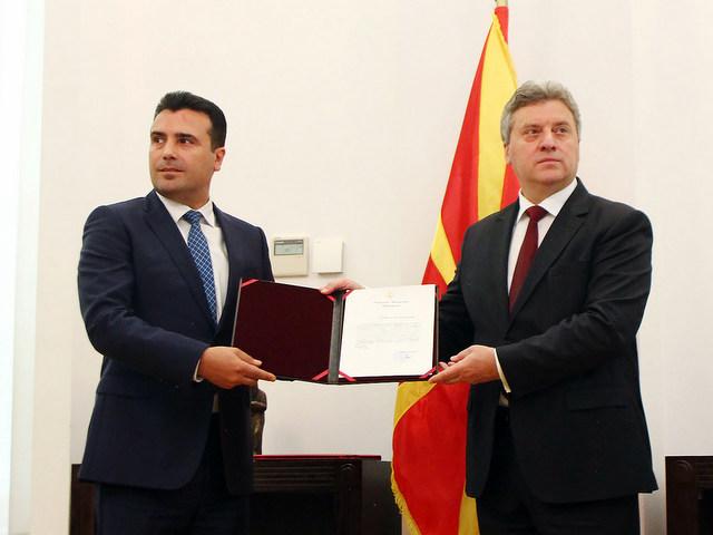 ВМРО-ДПМНЕ: Заев уште еднаш ги излажа граѓаните кога ја потпиша изјавата кај претседателот Иванов