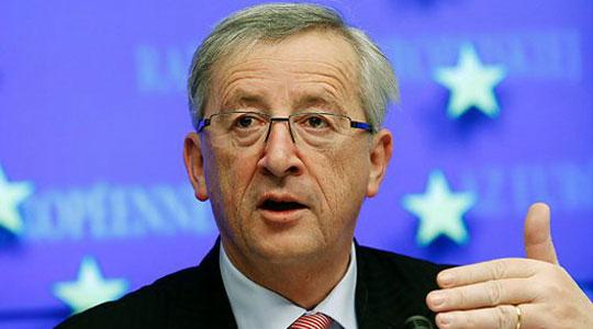 Јункер: Нема притисок од ЕУ за решавање на името