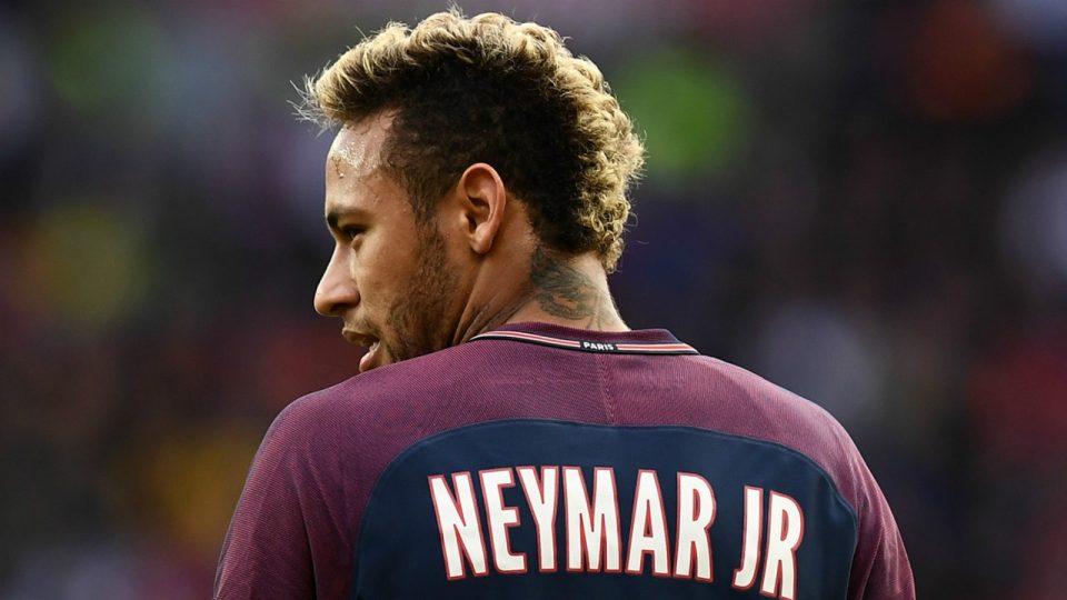 Нејмар: Не се гордеам што сум најскапиот фудбалер, јас би платил помалку за себе