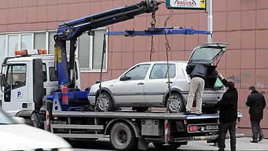 Скопје: Повредени 5 лица, пајакот отстранил 42 возила