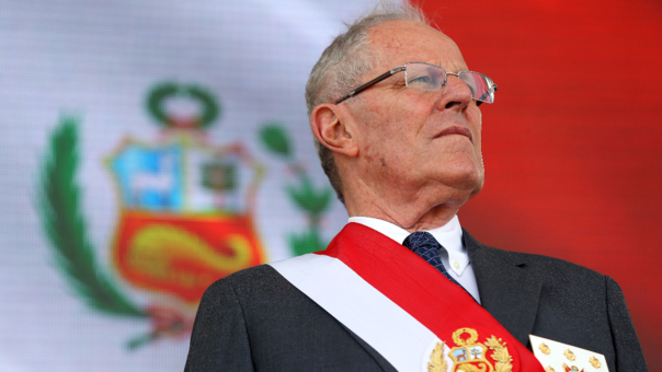 Перуанскиот претседател си поднесе оставка