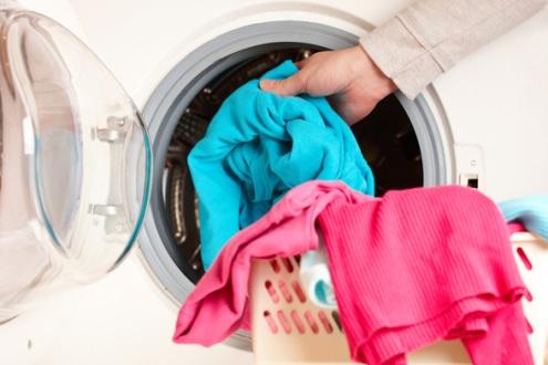 Ова се 7 работи кои никогаш не треба да ги перете во машина бидејќи ќе направите хаос