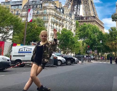 ВИДЕО: Софија со огромен талент, нема да верувате што може да направи качена на ролерки