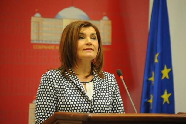 Пратеничката на СДСМ Шахпаска: Немам од што да се плашам, Иванов е должен да го потпише указот