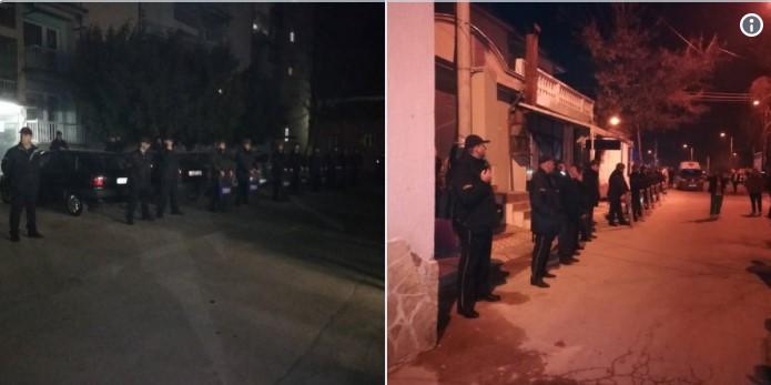 ФОТО: Народните избраници скриени зад полицијата од народот, па има ли поголема иронија?