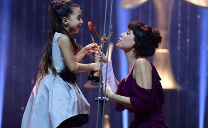 СУМАТА ВРТОГЛАВА: Ниту Шехерезад, ниту Хурем- ова е најплатената турска актерка (ФОТО)